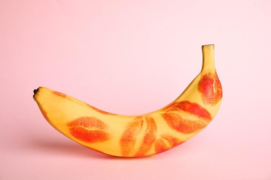 orale seks banaan lippen